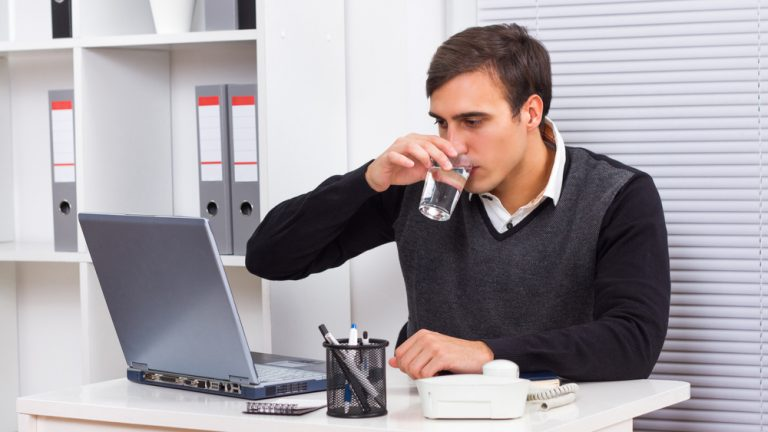 How to Fit Hydration Into a Workplace Wellness Strategy